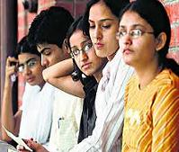 Cut-offs dip for English Honours in DU c