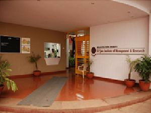 SPJIMR accepts applications for 2012