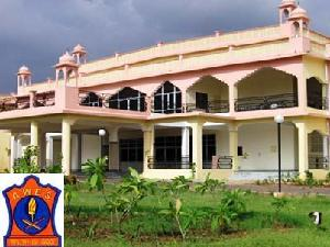 Admissions open at AWES for MBA 2012