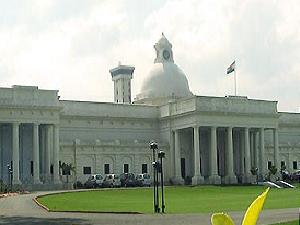 Applications Invited by IIT-Roorkee for