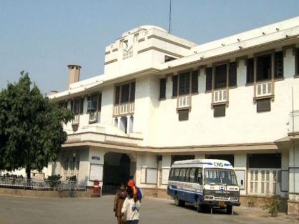 9. Lady Hardinge Medical College