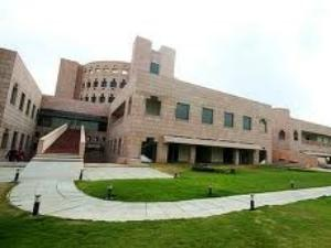Is ISB-Hyderabad An Unapproved Institute