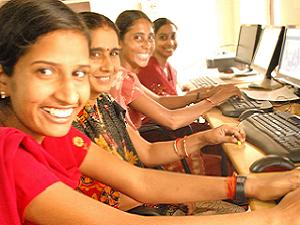 Women's Focusing On Internet In India