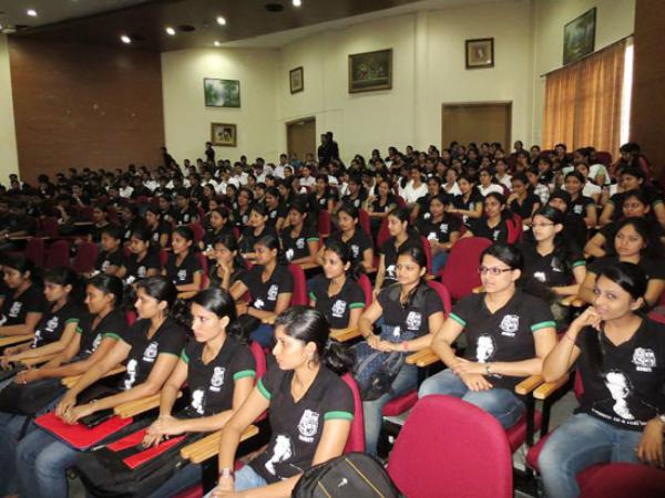 Indian IT Students Take Part In Microsoft App Fest