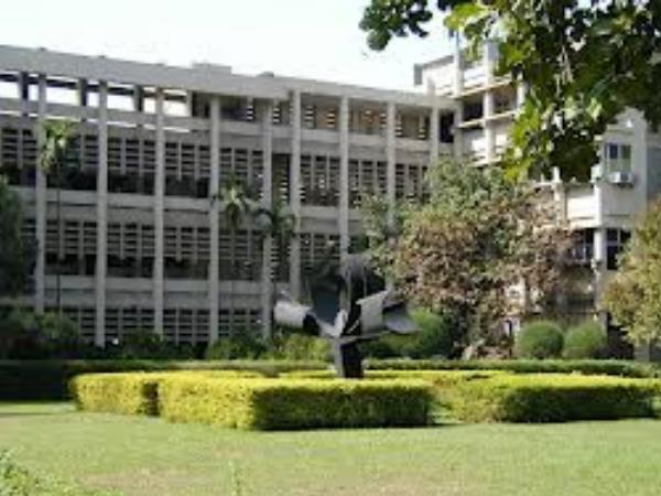College 9: Indian Institute of Technology, Bombay