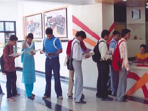 Gujarat holds Diploma to Engg admissions