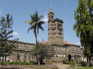 UoP cut down norms for Foreign Students