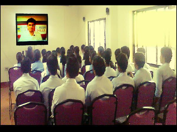 Live Distance education in Kerala