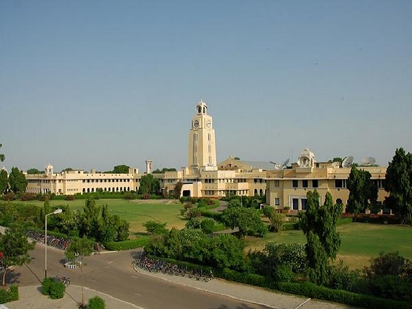 Top Ten Engineering college in India 2013 by India Today
