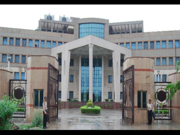 IIM-L signs MoU with Singapore's Varsity