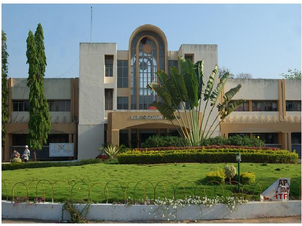 UoH receives Rs 33 cr spl grant from UGC