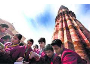 Students held experiments @ Qutub Minar