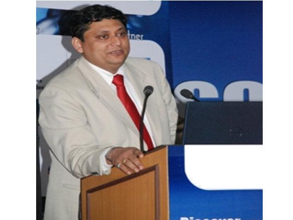 Pradeep Karambelkar addressed the youth