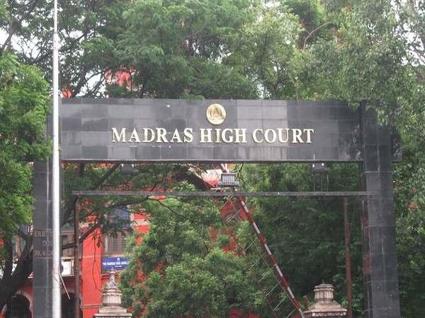 Madras HC fines 10k Anna University