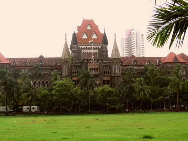 Maha schools not following HC order