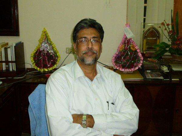 Jadavpur varsity vice-chancellor resigns