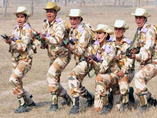Army sends 23 girl students on educational tour