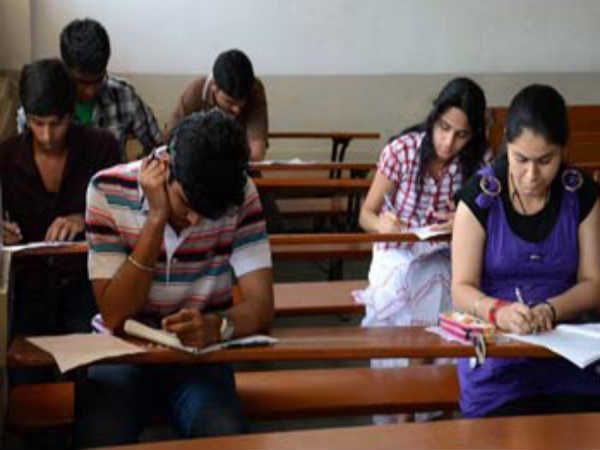Private engineering colleges demand for fix fees