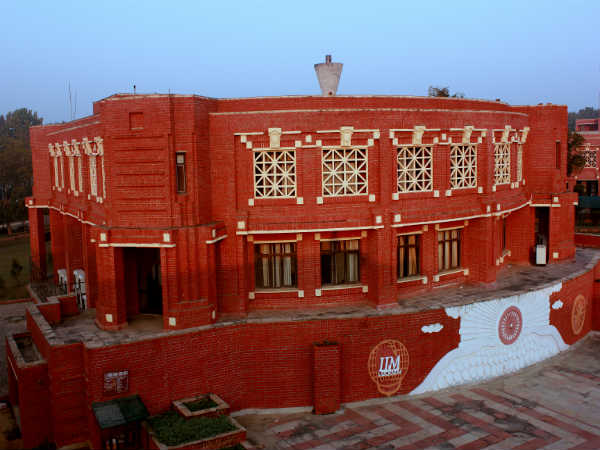 100 percent placements to IIM Lucknow