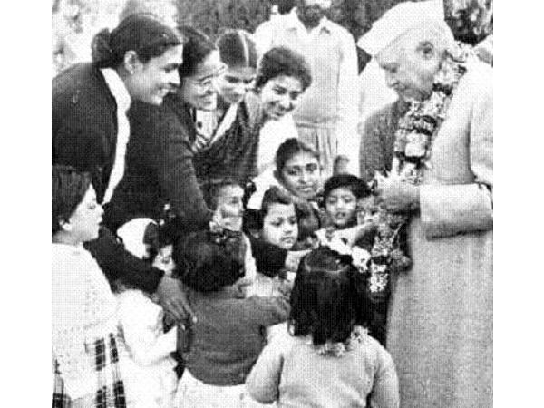 letter from jawaharlal nehru to children 8 a birthday letter naini prison, pandit jawaharlal nehru wrote this letter to his daughter , indira on her 13 th of their children.