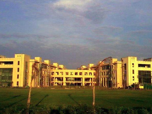 MBA admission at Shiv Nadar University