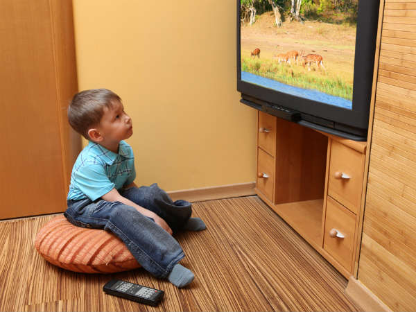 Raising children without TV: Good or Bad?