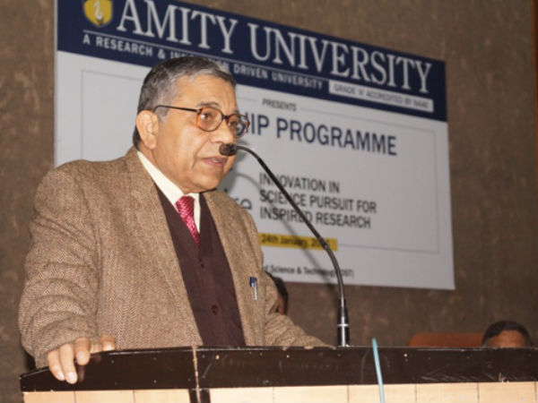 Dr. Rajnikant Tewary – Former DRDO Scientist 'G' & former Scientific Advisor to Chief of Naval Staff addressing the gathering