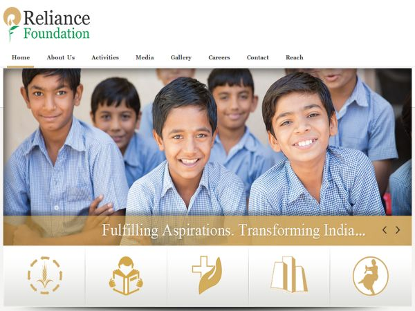 Reliance Foundation gives scholarships to students