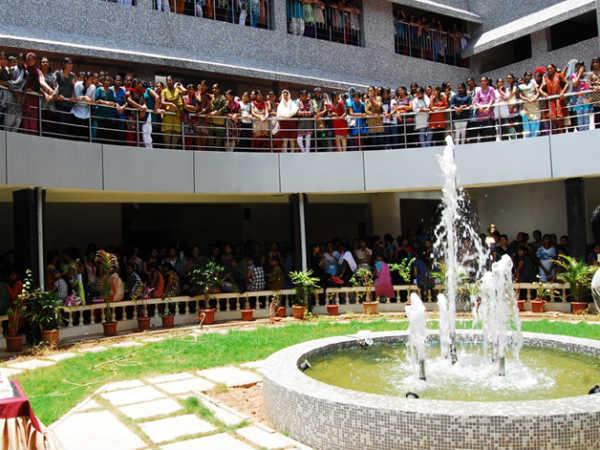 MOP Vaishnav College organises a seminar