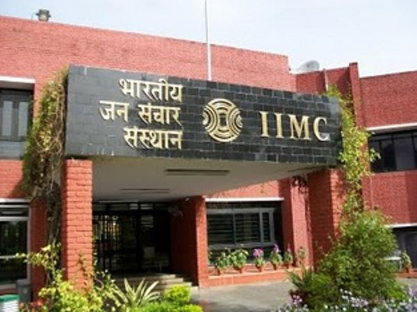 Applications are invited by IIMC New Delhi