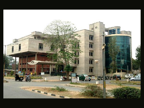 PGIMER offers PG Medical admissions July 2014