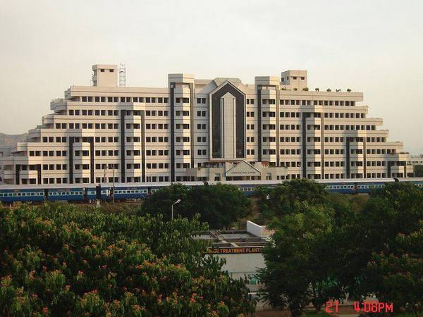 VIT to open Bangalore campus from 2015