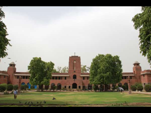 Economics,English Courses Are More In Demand at DU