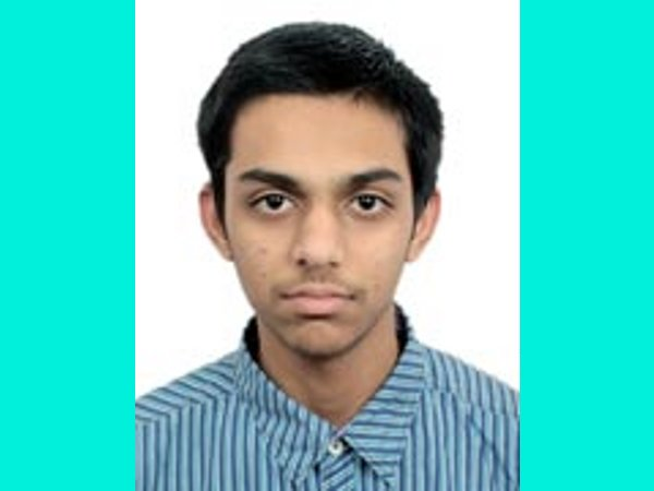 KCET 2014 Topper bags 1st in JEE Main 2014 AIR