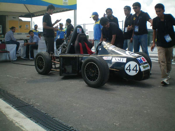 87 teams to compete in race-car design contest