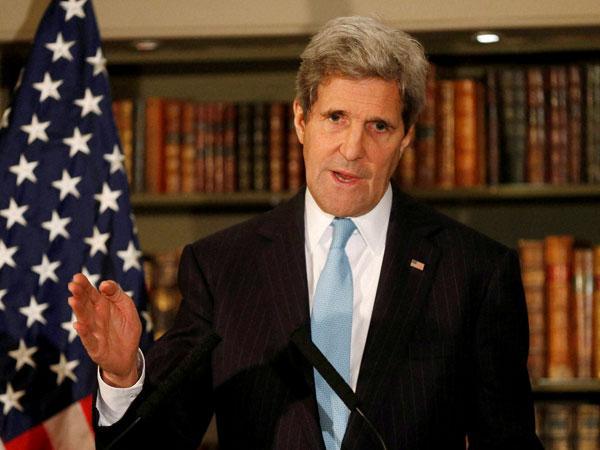 John Kerry visits IIT Delhi