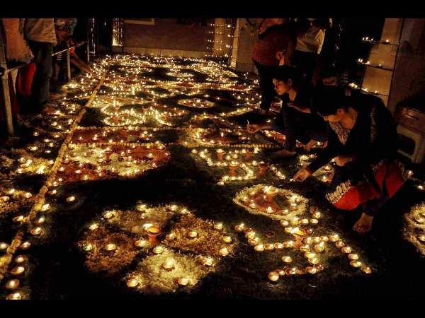 Tokyo University team celebrates Diwali in India