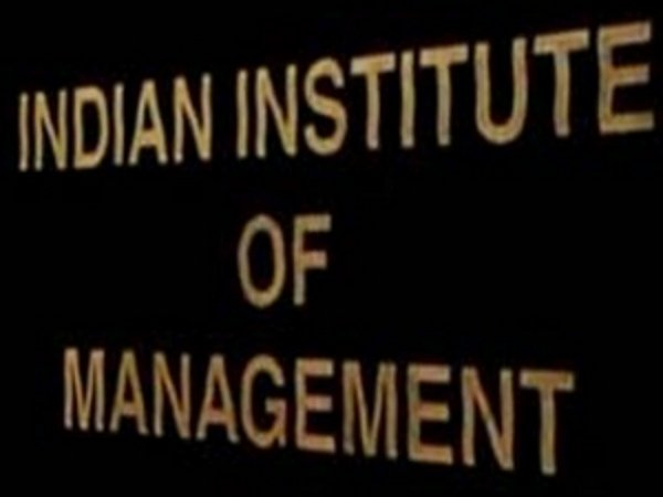 IIM students, urge govt to change MBA criteria