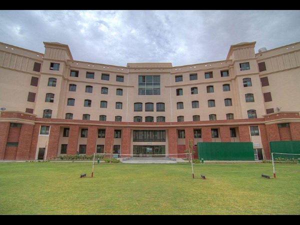Shiv Nadar University offers Admissions