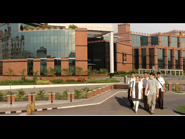 Manipal University, Dubai Offers Special Packages