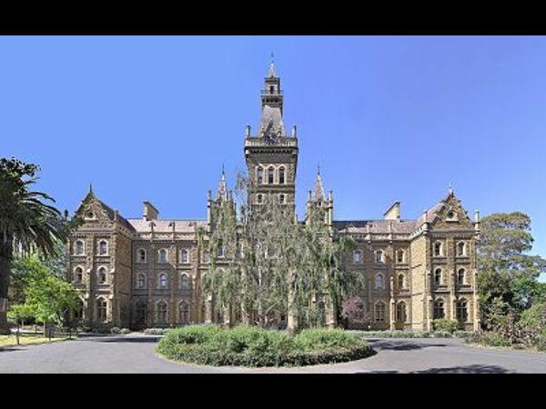 Top 1: The University of Melbourne