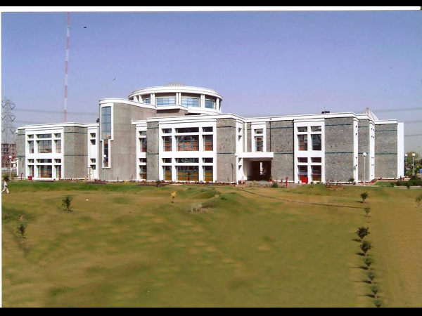 BIMTECH  offers admissions for PGDM Programmes