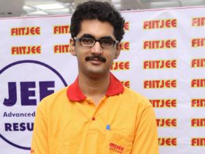 FIITJEE Delhi student Animesh Bohara grab the Show