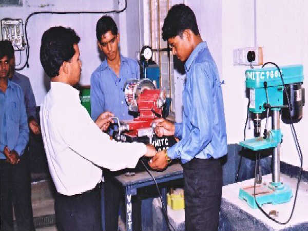 Maharashtra ITIs to Get Courses Revamped to Match Industry Requirements