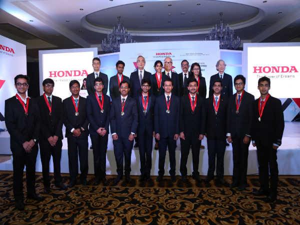 Honda Motor India Presents Y-E-S Award