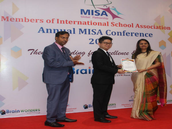 Jash Ramani honoured for being the country topper