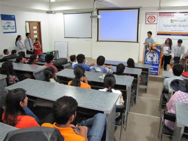 Internet based virtual classroom in Mumbai schools