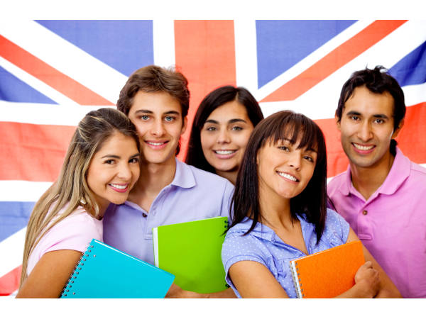 UK varsities concerned over int'l students decline