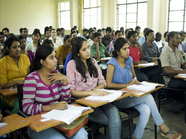 Karnataka Government To Give Free Laptops For 1.5 Lakh BPL Students