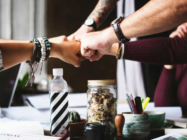 7 Ways to Build Teamwork in Office